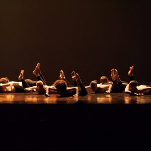 DANZA CONTEMPORANEA  E FLOOR WORK (DAI 13 ANNI IN POI)